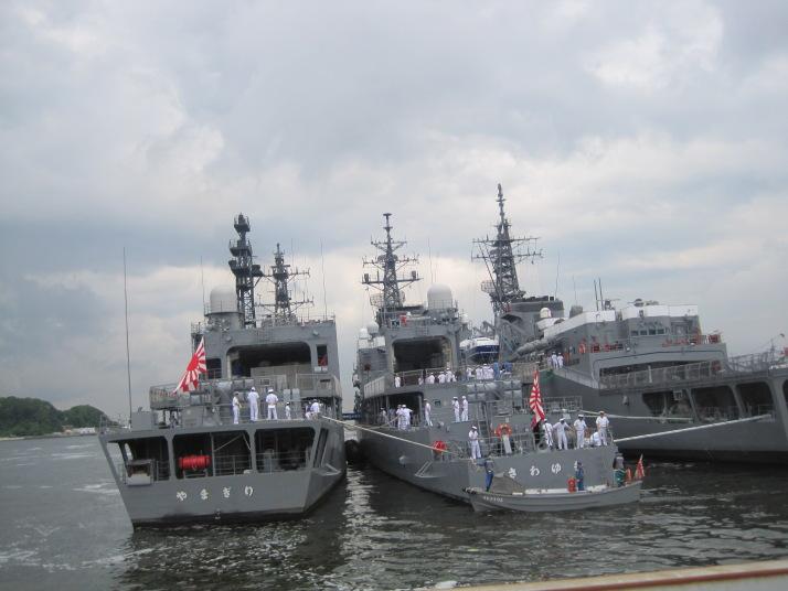 100512練習艦隊横須賀入港歓迎行...